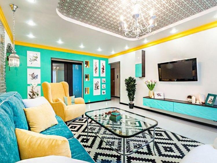 Желто-бирюзовая гостиная