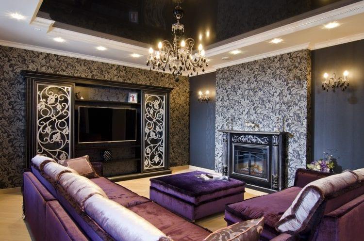Черно-белый натяжной потолок в гостиной