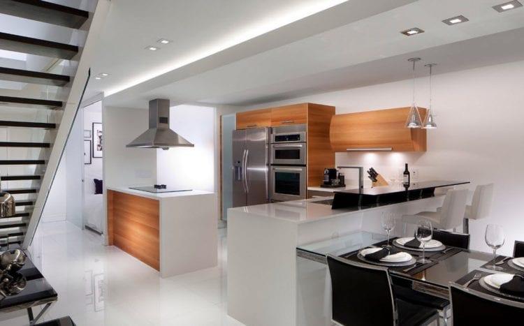 Освещение: светильники для современного помещения в стиле hi-tech