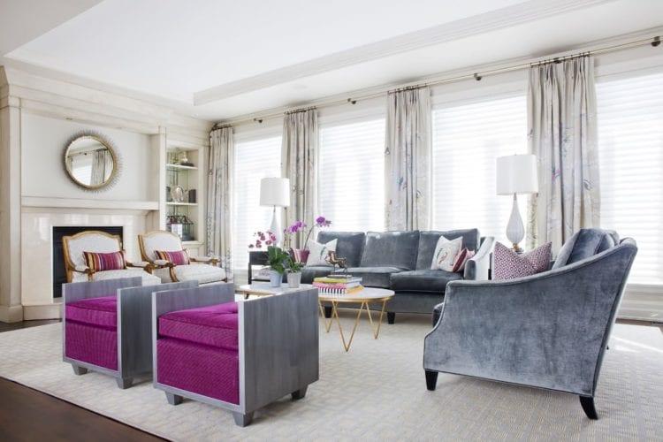 Гостиная ар-деко с серым диваном