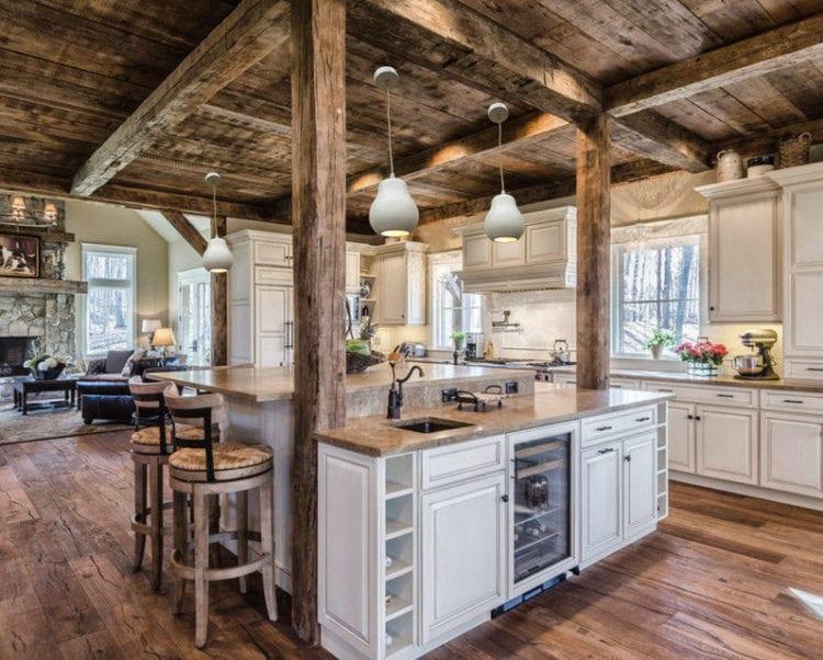 Советы по дизайну гостиной-кухни в стиле шале