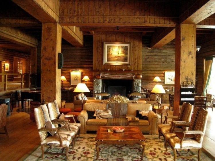 Гостиная в стиле шале – интерьер с альпийской атмосферой