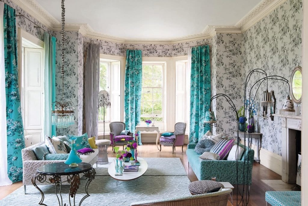 Бирюзовые шторы в гостиной: свежесть и хорошее настроение в интерьере