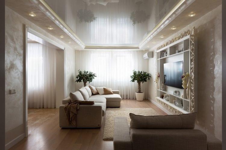 Двухуровневые натяжные потолки с гипсокартоном в гостиной