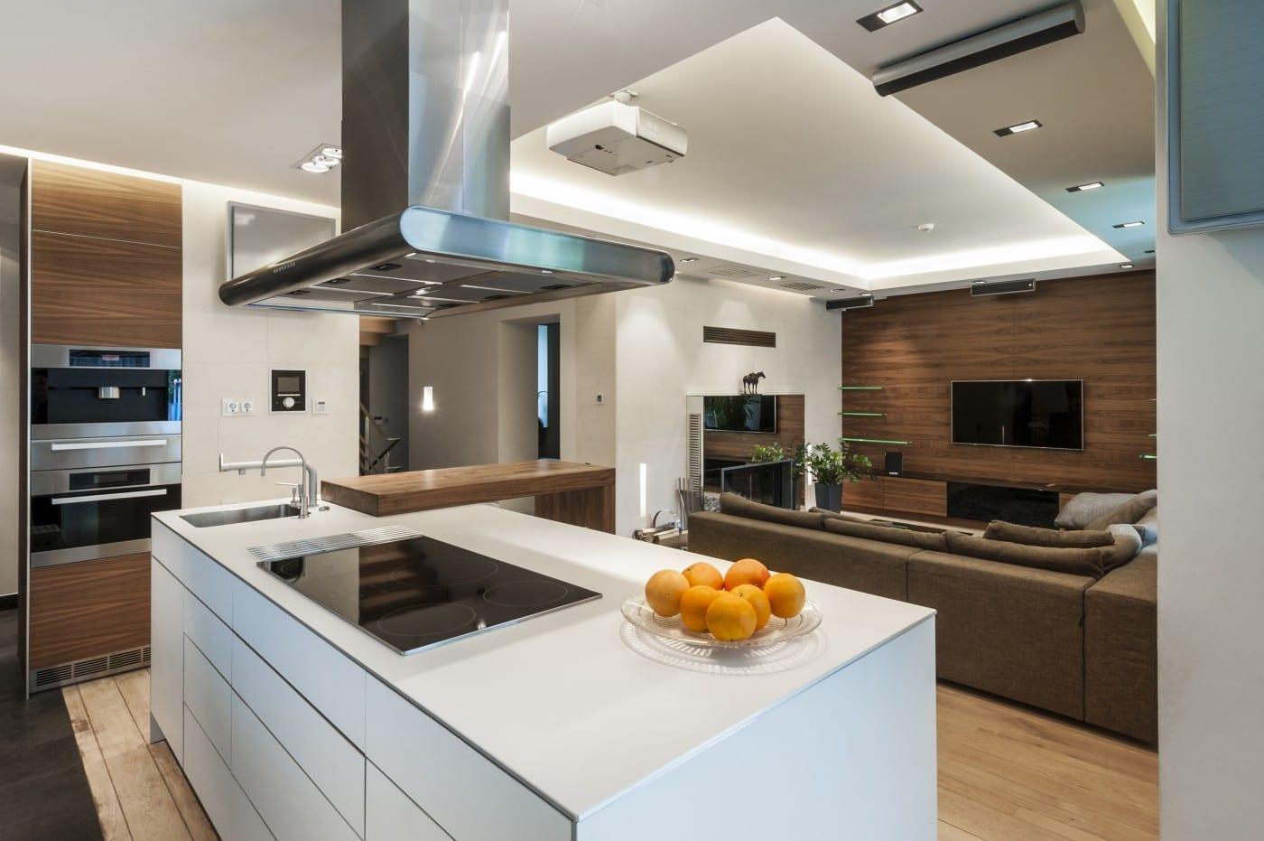 Кухня-гостиная с островом: преимущества планировки и оригинальные идеи оформления