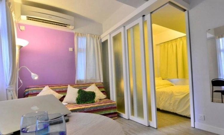 Cовмещенная со спальней гостиная на 20 кв. м в современном стиле