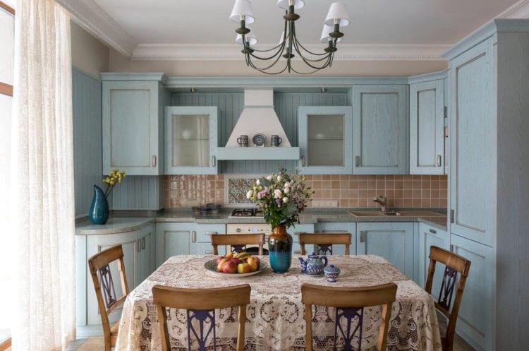 Кухня-гостиная 12 кв. м. Кантри
