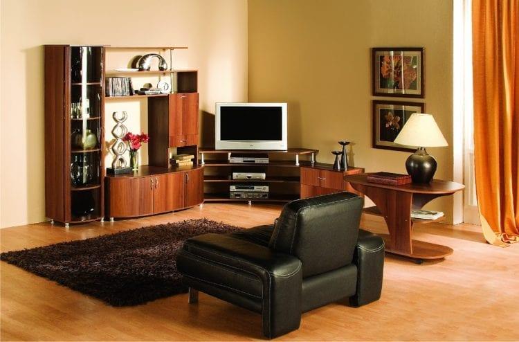 Нюансы выбора современной горки в гостиную комнату