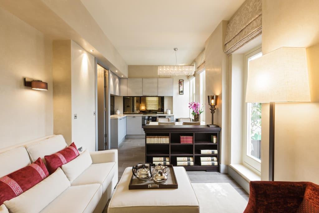 Кухня-гостиная площадью 40 кв. м. в частном доме