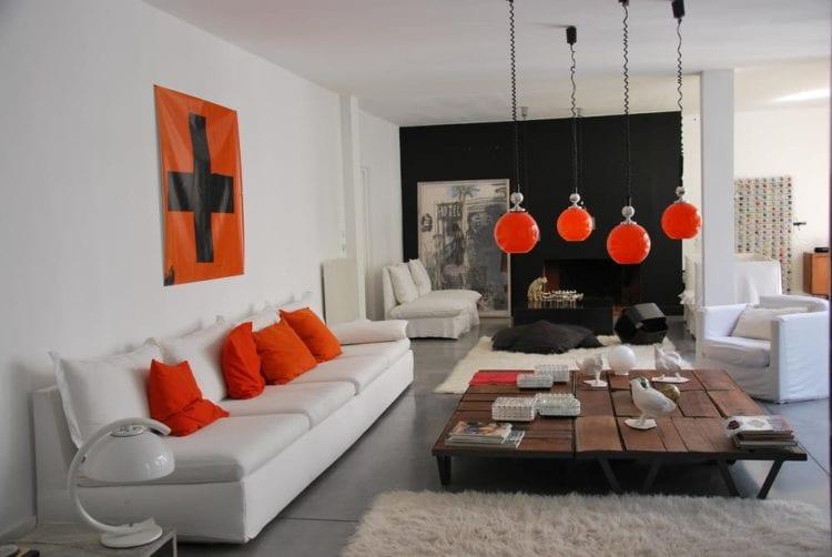 Оранжевый черный и белый в интерьере