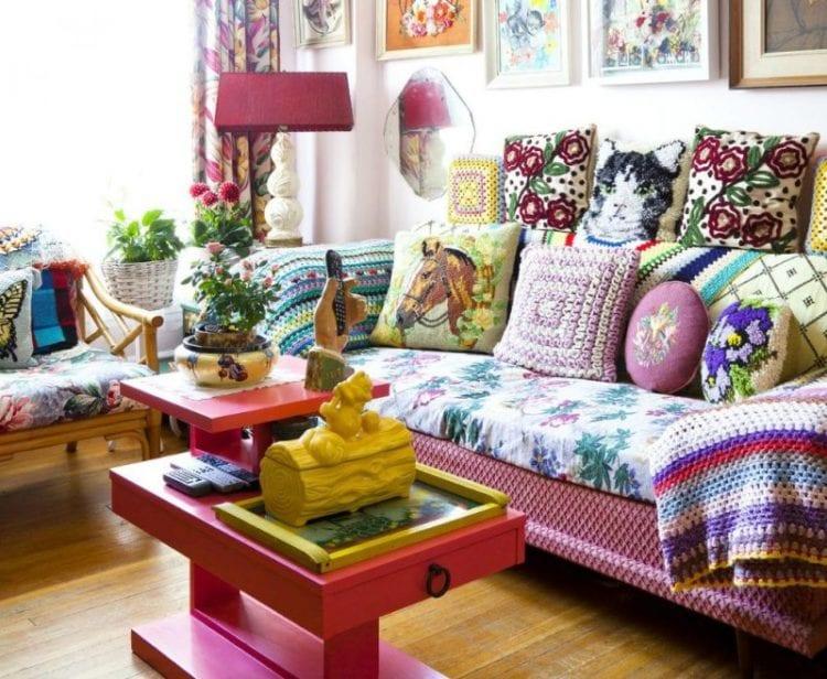 Гостиная в современном стиле китч