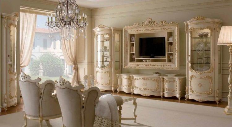 Классическая горка в гостиной в стиле барокко