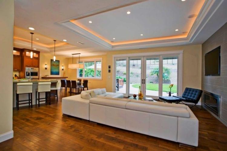 Освещение в гостиной в современном стиле
