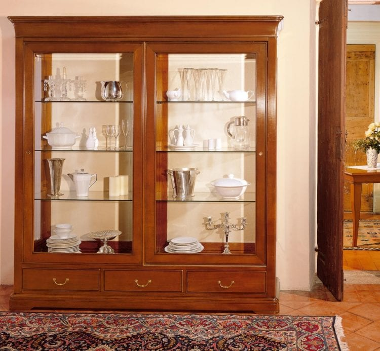 Выбираем витрину для посуды для гостиной