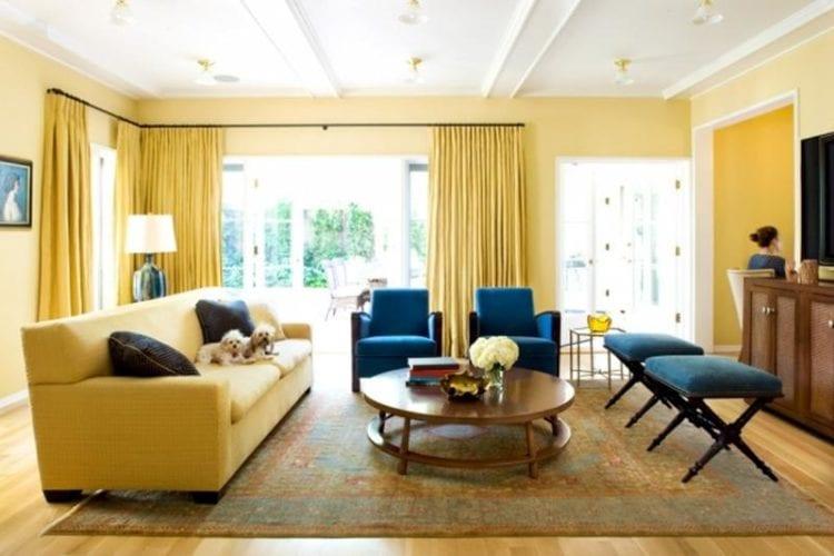 Какую мебель выбрать для желтой гостиной