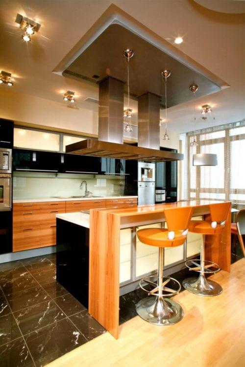 Совмещенная кухня с гостиной: освещение для различных целей