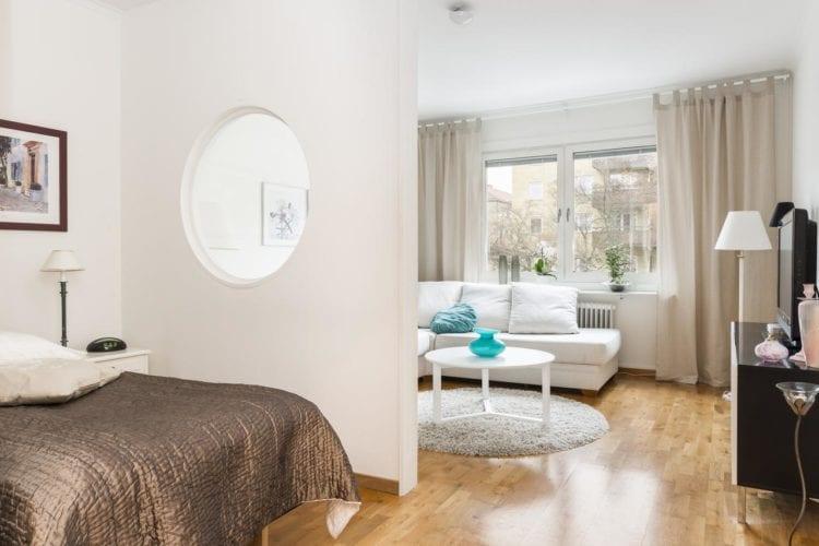 Дизайн гостиной-спальни в 17 кв. м в стиле минимализм