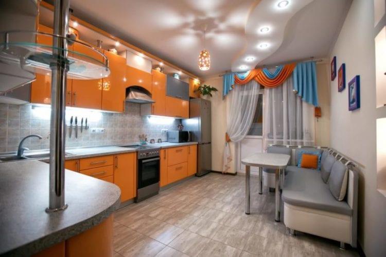Пленочные натяжные потолки в квартире