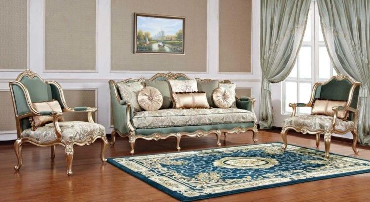 Мебель для гостиной в классическом стиле с обивкой в глубокой палитре