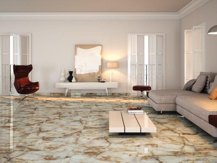 Камень в интерьере гостиной на полу