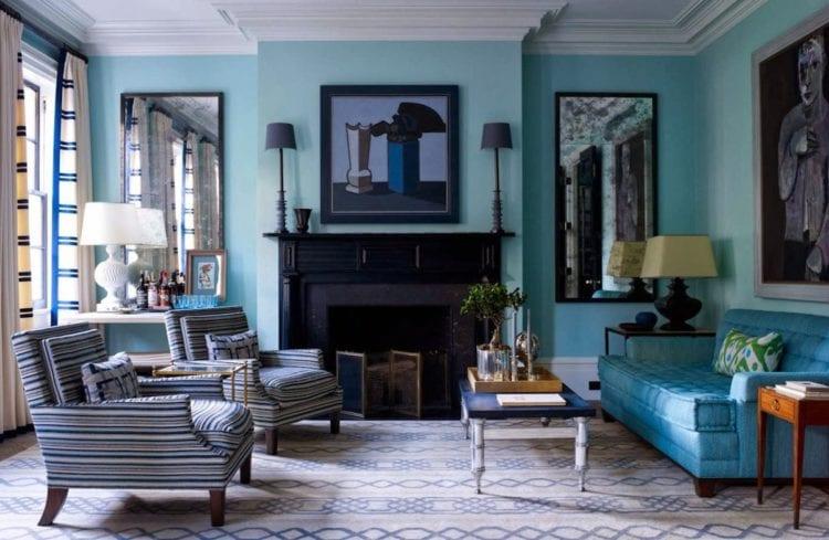 Темно синие обои в интерьере гостиной