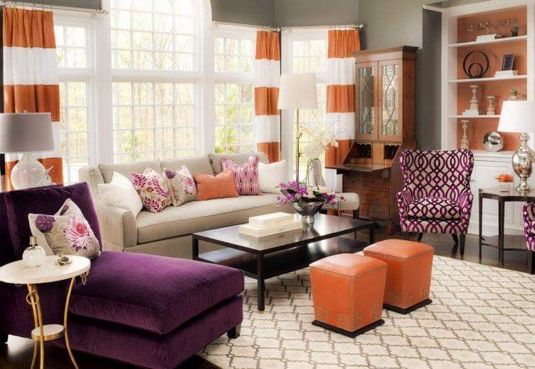 Фиолетово оранжевая гостиная