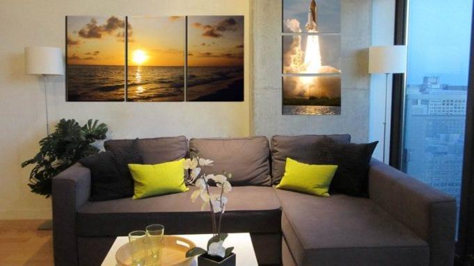 Модульные картины над диваном в гостиной