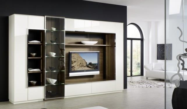 Большие стенки в гостиную со шкафами и полками
