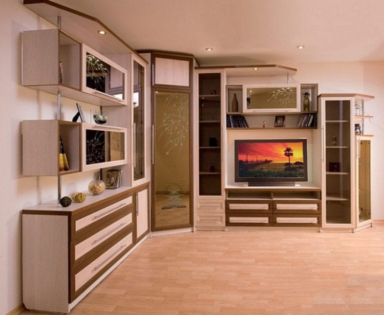 Угловые шкафы со стенкой в гостиной