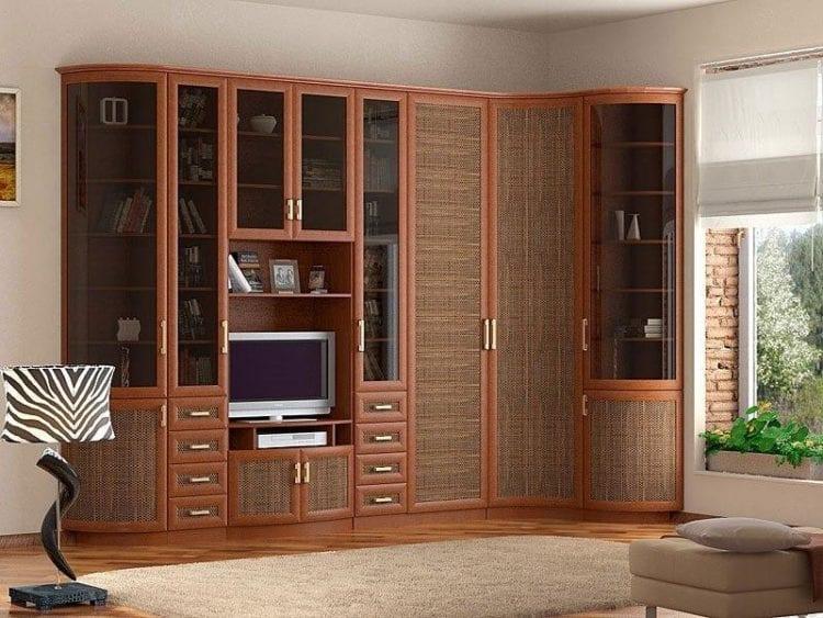 Шкаф в зал составе стенки