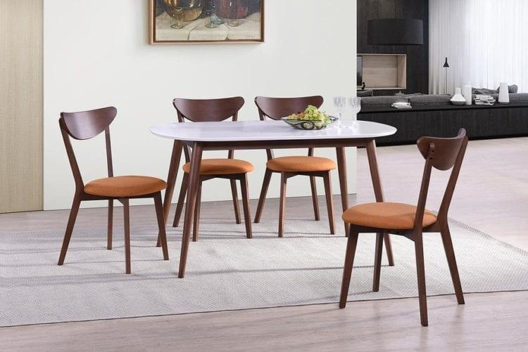 Белый обеденный стол со стульями