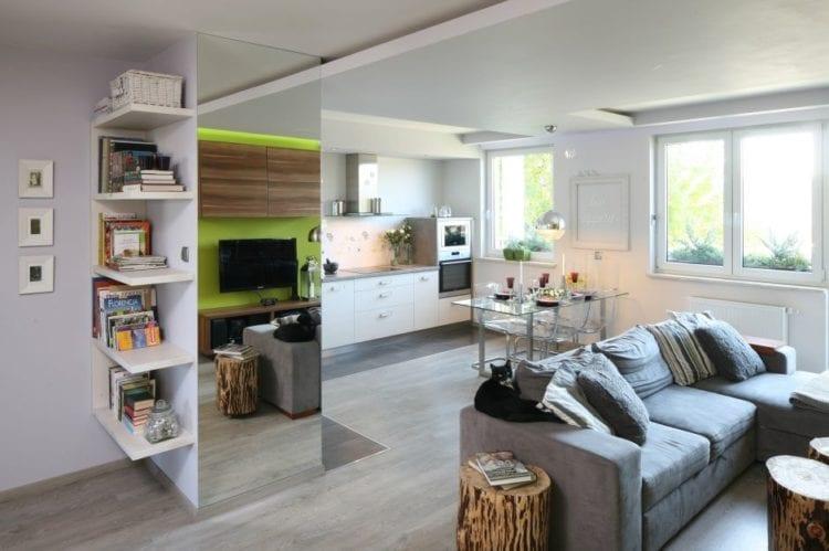 Небольшая гостиная с кухонной зоной