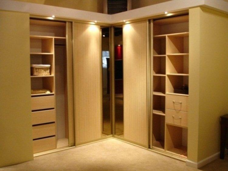 Встроенные угловые шкафы внутри фото