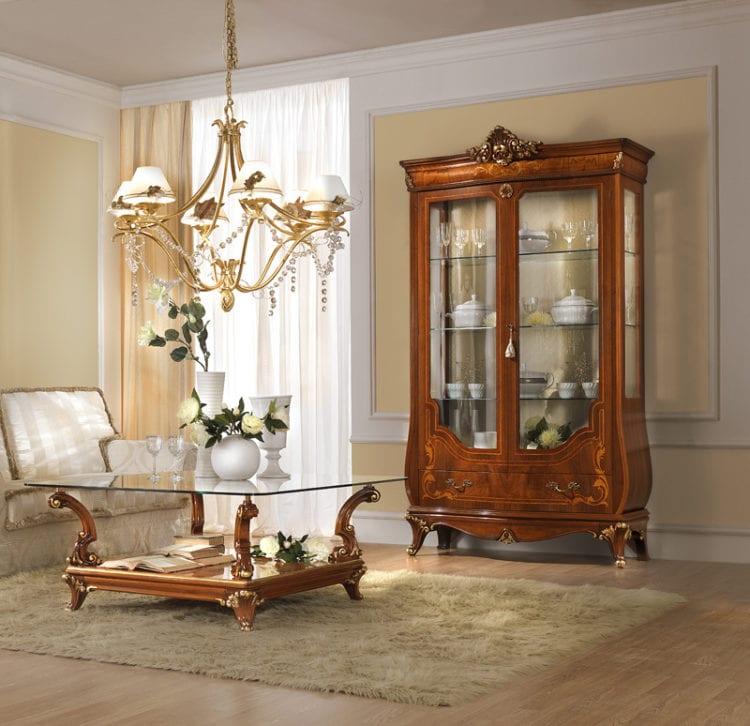 Витрины для гостиной в классическом стиле
