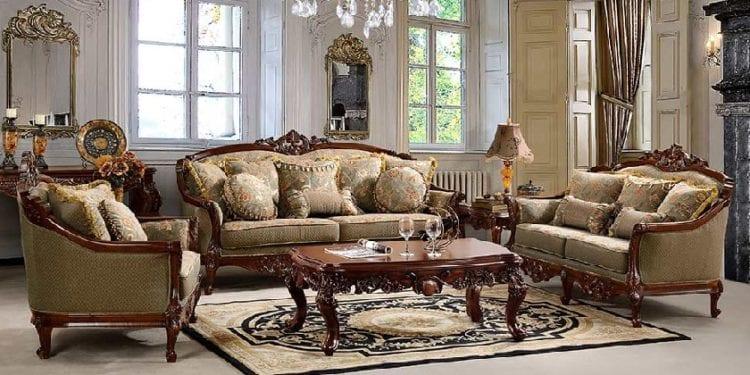 Классическая мягкая мебель в интерьере гостиной