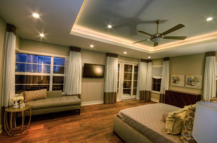 Варианты гипсокартонных потолков в гостиной