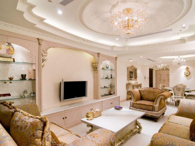 Потолки из гипсокартона в зале или гостиной в частном доме