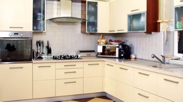 Кухонный гарнитур цвет ваниль фото