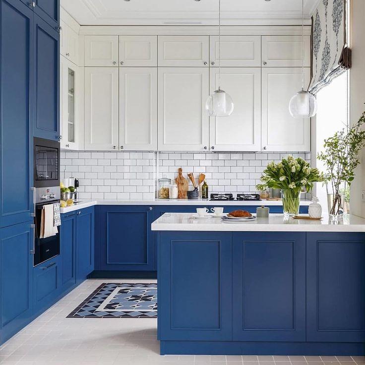 Кухня в сине-белом цвете