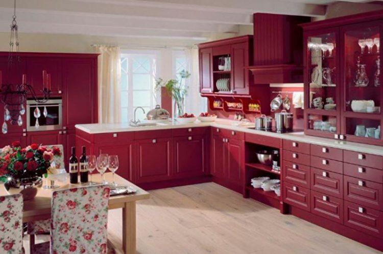 Бордовая кухня в интерьере сочетание цветов