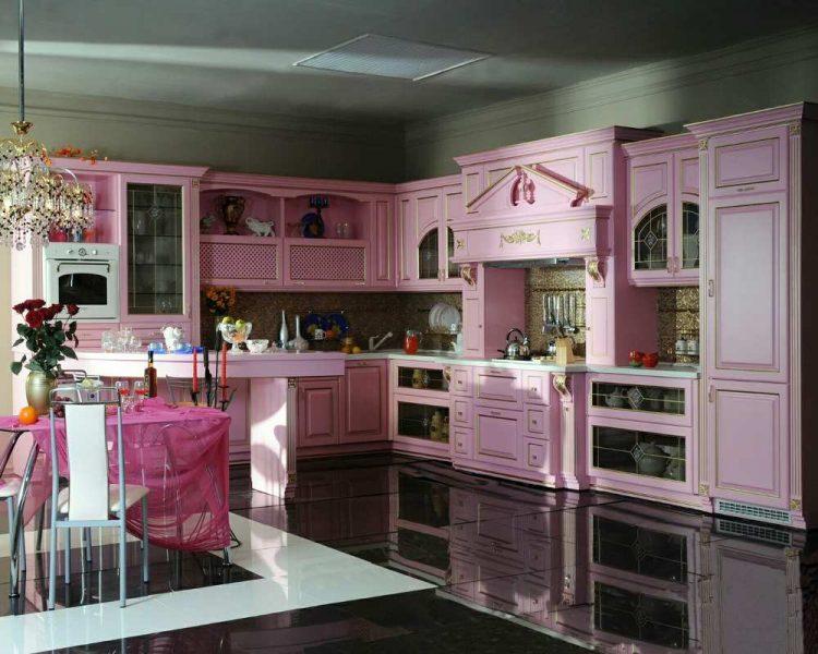 Дизайн бело-розовой классической кухни