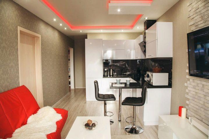 Дизайн гостиной в помещении площадью 10 метров с корпусной мебелью