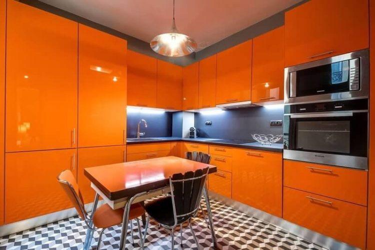 Рыжая кухня в интерьере